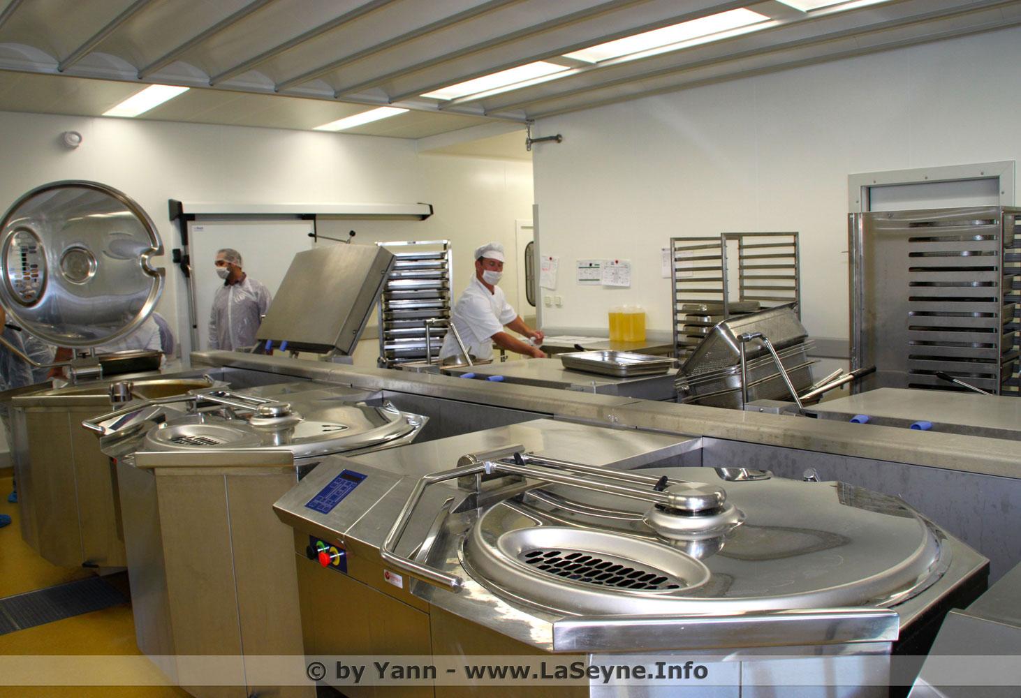 Restauration scolaire une nouvelle cuisine centrale en for Cuisine centrale